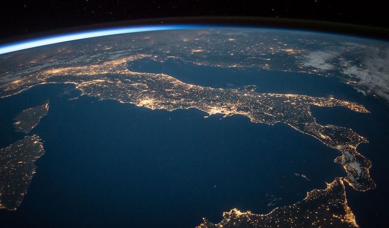 Ο πλανήτης υπερθερμαίνεται, ο καύσωνας κατακλύζει την Ευρώπη