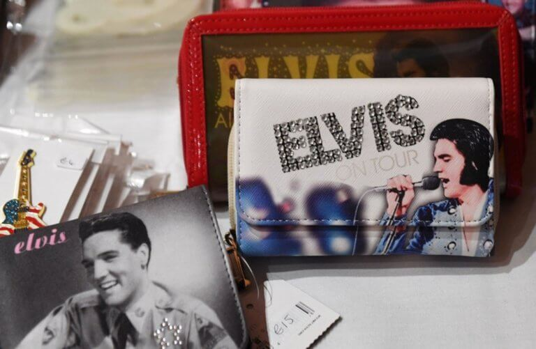 Η εκπληκτική ομοιότητα του εγγονού του Elvis Presley με τον παππού του!