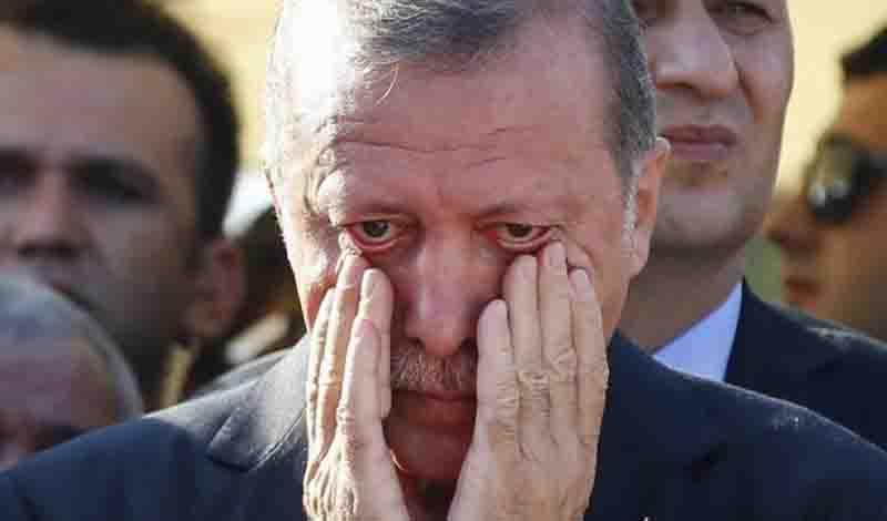 Ξεκίνησε το «ξήλωμα» Ερντογάν: Ποιοι και γιατί αμφισβητούν το πτυχίο του και την θέση του στην Προεδρία