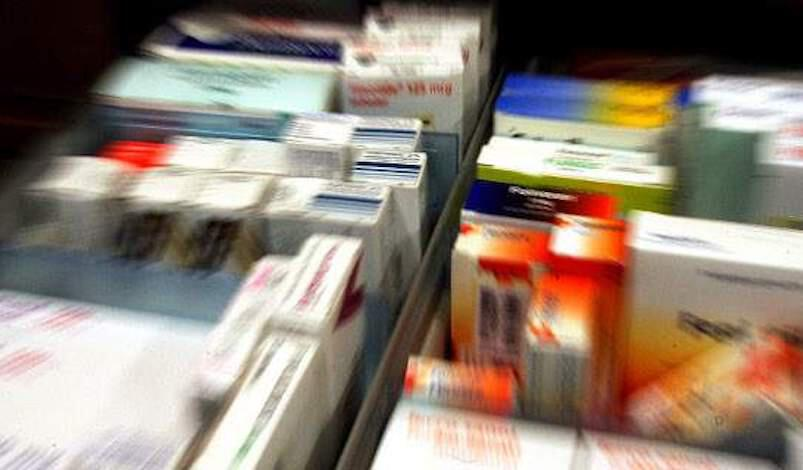 """Φαρμακοβιομηχανία: """"Βουλιάζουμε"""" στους φόρους"""