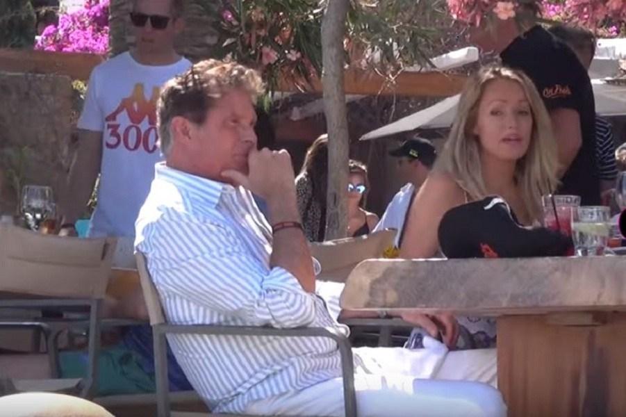 Ο David Hasselhoff στη Μύκονο με την κατά 27 χρόνια μικρότερη σύζυγό του (video)