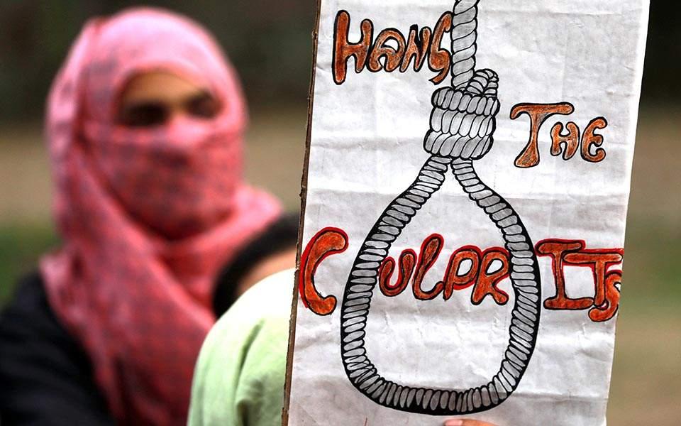 Θανατική ποινή για τους βιαστές ανηλίκων επέβαλε η Ινδία