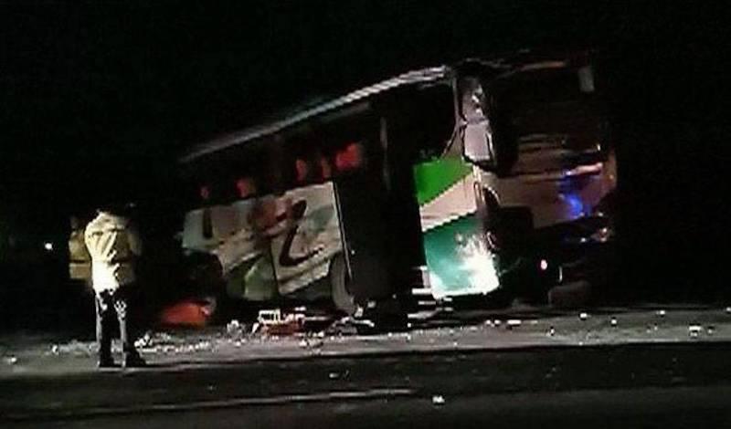 Προσπάθησε να πάρει το τιμόνι από τον οδηγό πούλμαν και προκάλεσε μακελειό