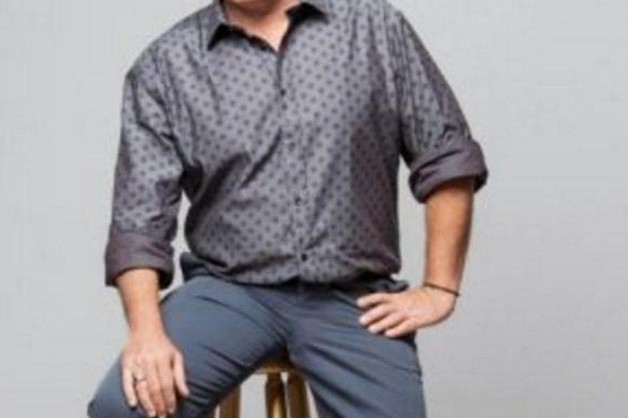 Διάσημος παρουσιαστής: «Έχω κάνει σeξ στην κεντρική λεωφόρο του Χαλανδρίου»