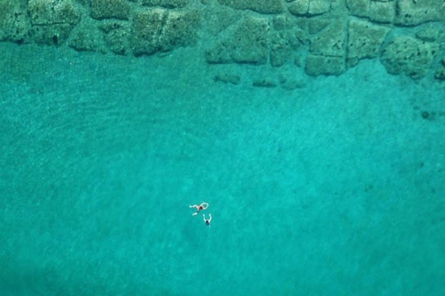 Το ελληνικό νησί που έχει περισσότερους τουρίστες από κατοίκους