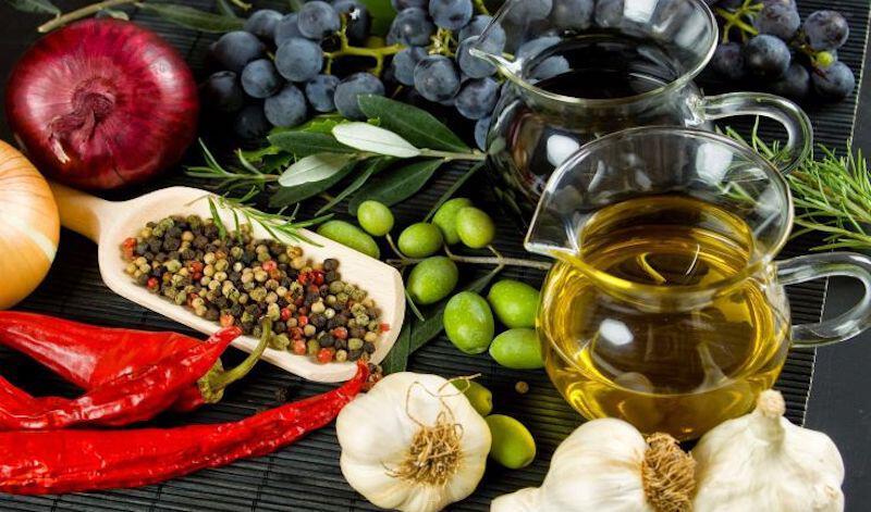 Nielsen: Στροφή στα χύμα προϊόντα από τους Έλληνες