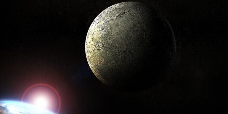 Η NASA ζεσταίνει τις μηχανές για επιστροφή στη Σελήνη