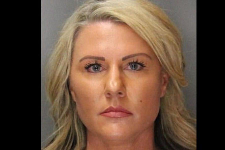 ΗΠΑ: Συνελήφθη 44χρονη βοηθός σερίφη για σeξ με 16χρονο