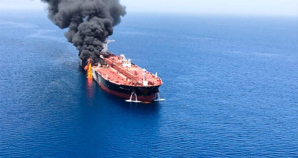 Διπλωματική ένταση ΗΠΑ-Ιράν μετά τις εκρήξεις στα τάνκερ