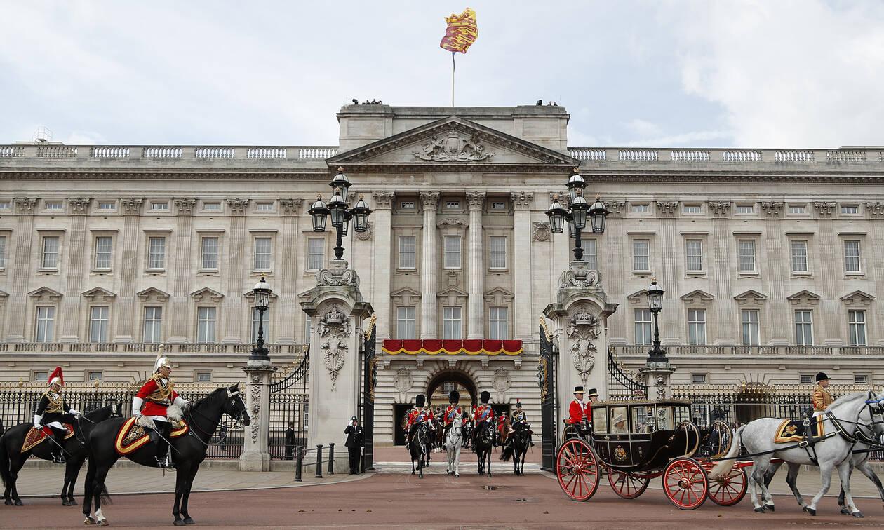 Πανικός στο Μπάκινγχαμ – Το τροχαίο που σόκαρε τη βασιλική οικογένεια (pics&vid)