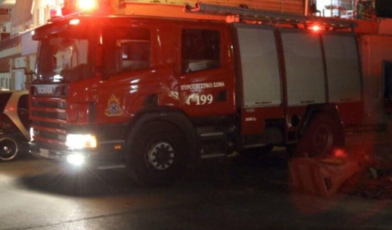 Πυρκαγιά σε διώροφη μονοκατοικία τα ξημερώματα στη Θεσσαλονίκη