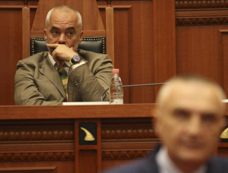 Αλβανία: Ξεφεύγει η κατάσταση – Ράμα: Δεν πρέπει να είναι πρόεδρος ο Μέτα