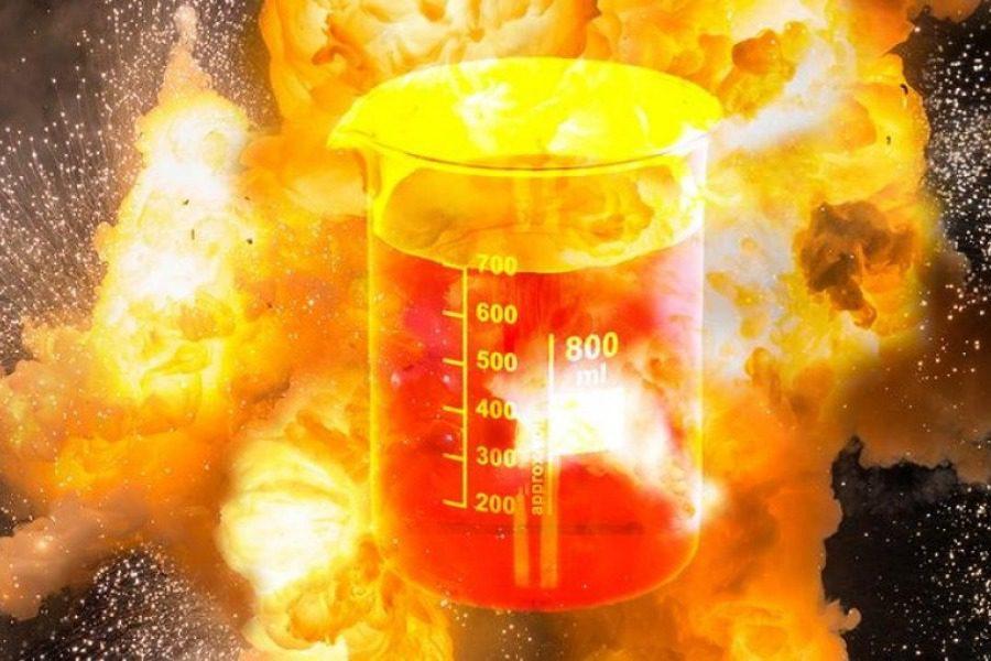 Αυτή είναι η χημική ουσία που μπορεί να εκραγεί ακόμη και κοιτώντας την