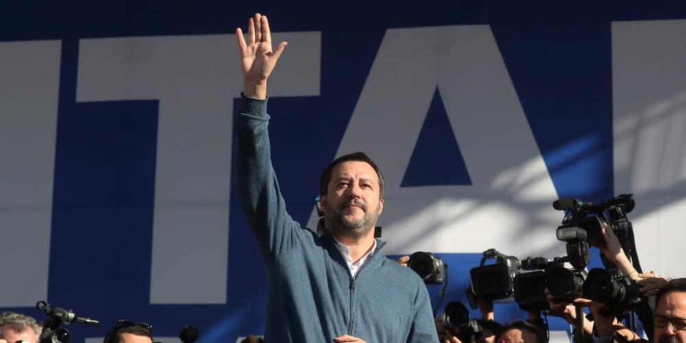 Τη δόξα του Βαρουφάκη ζήλεψε ο Σαλβίνι: Η Ιταλία εξετάζει παράλληλο νόμισμα και έξοδο από την Ευρωζώνη