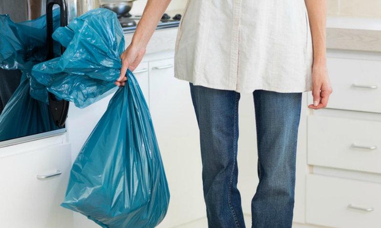 Προσοχή! Γιατί πρέπει πάντα να βάζεις λίγο βαμβάκι στα σκουπίδια σου