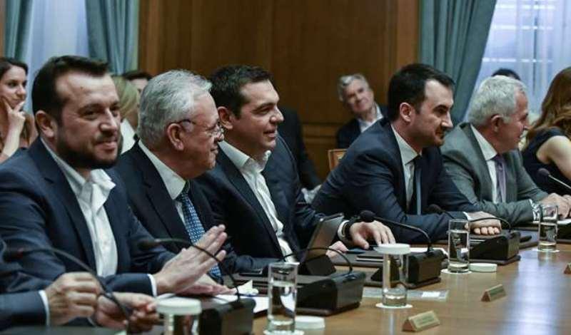 «Εμφύλιος» στο ΣΥΡΙΖΑ – «Βράζει» ο Τσίπρας με τους «αντάρτες» που «έσπασαν» το εμπάργκο στο ΣΚΑΪ
