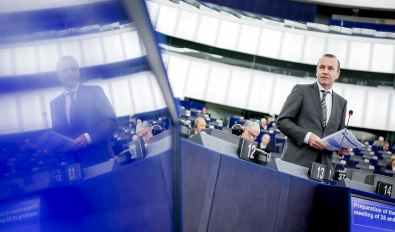 Βέμπερ: Δεν μπορεί να επιτρέπεται στην Τουρκία να παραβιάζει την κυριαρχία της Κύπρου
