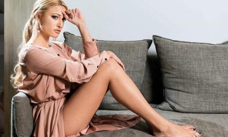 Η Ιωάννα Τούνη ποζάρει γυμνή στο κρεβάτι της (pic)