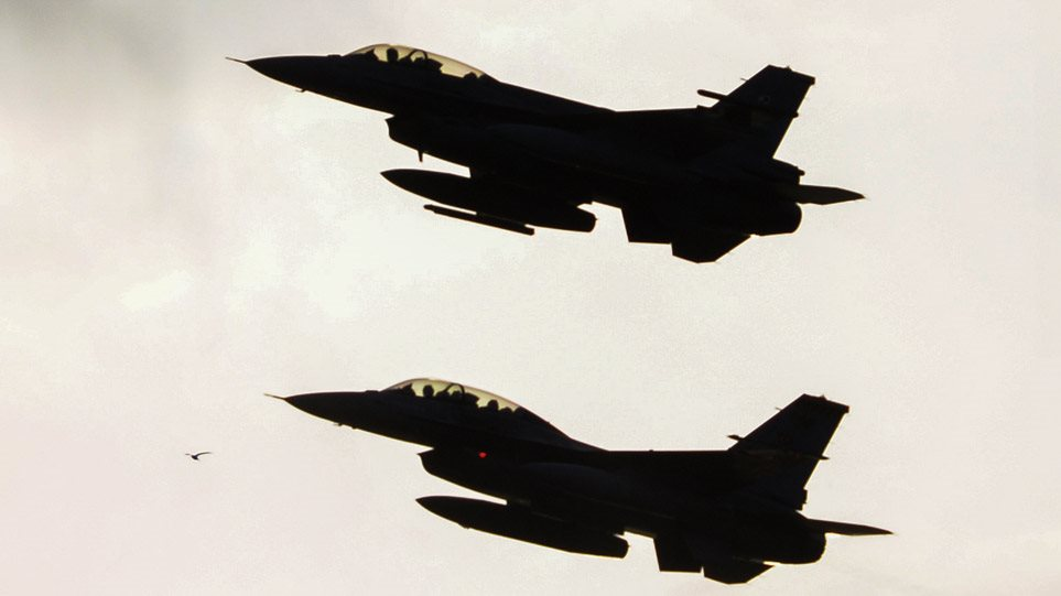 ALERT! Μαζικές υπερπτήσεις τουρκικών F-16 πάνω από τέσσερα ελληνικά νησιά!