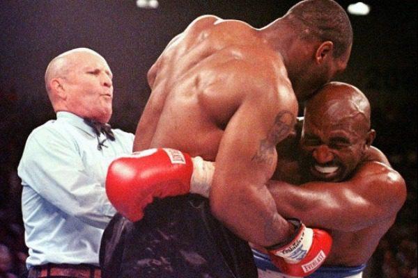 Όταν ο Mike Tyson ένιωσε την ανάγκη να δαγκώσει αφτιά