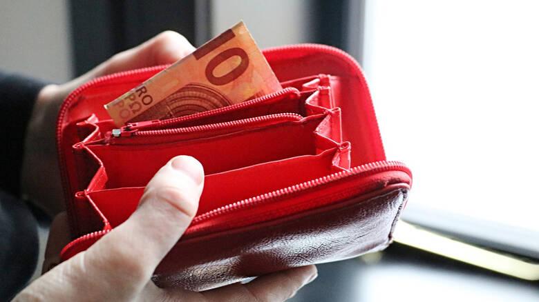 Ερευνητές πέταξαν 17.000 πορτοφόλια με λεφτά σε όλο τον κόσμο – Τι έκαναν οι Έλληνες όταν τα βρήκαν;