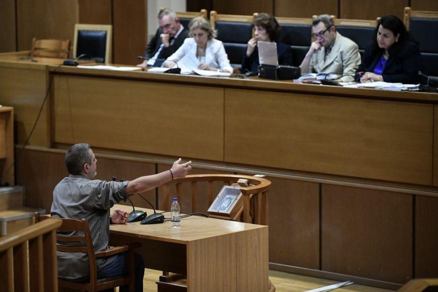 Δίκη ΧΑ: Κατηγορούμενος πήρε «κατά λάθος» τηλέφωνο τον Ρουπακιά και τον Λαγό μετά τη δολοφονία Φύσσα