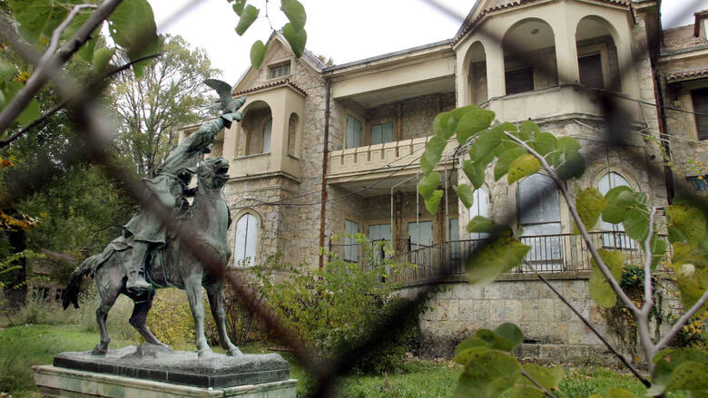 Από την εγκατάλειψη στην… αναγέννηση: Αυτοψία στο πρώην βασιλικό κτήμα, στο Τατόι