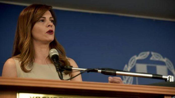 Αχτσιόγλου: Θα είμαστε απέναντι σε κάθε ενέργεια που υποβιβάζει δικαιώματα εργαζομένων