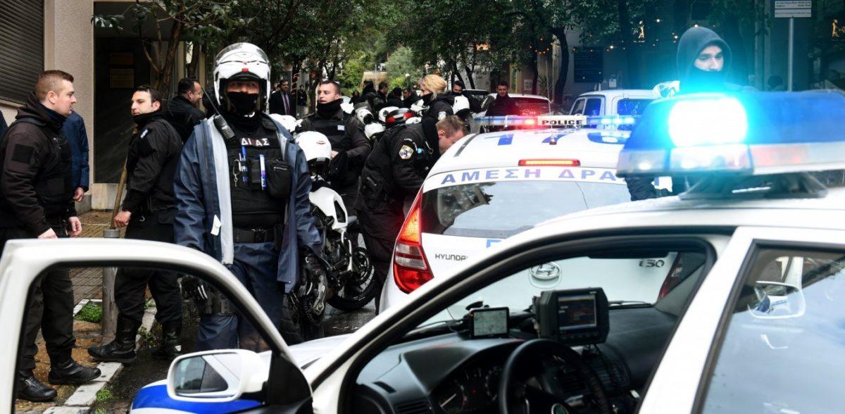 «Δόγμα του σοκ» στην ΕΛ.ΑΣ από Χρυσοχοΐδη: Φύλλα πορείας σε 700 αστυνοµικούς