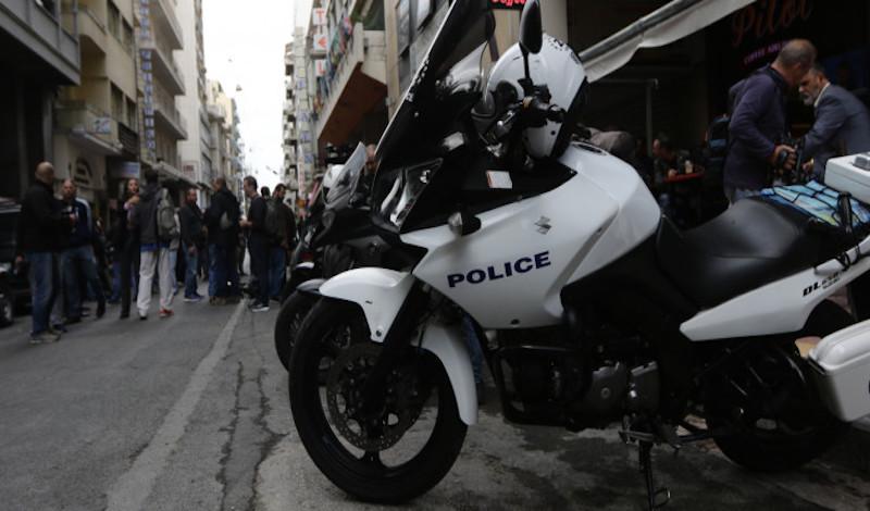 Επίθεση 20 ατόμων κατά αστυνομικών έξω από την πρεσβεία της Γερμανίας με καδρόνια -Εξι συλλήψεις