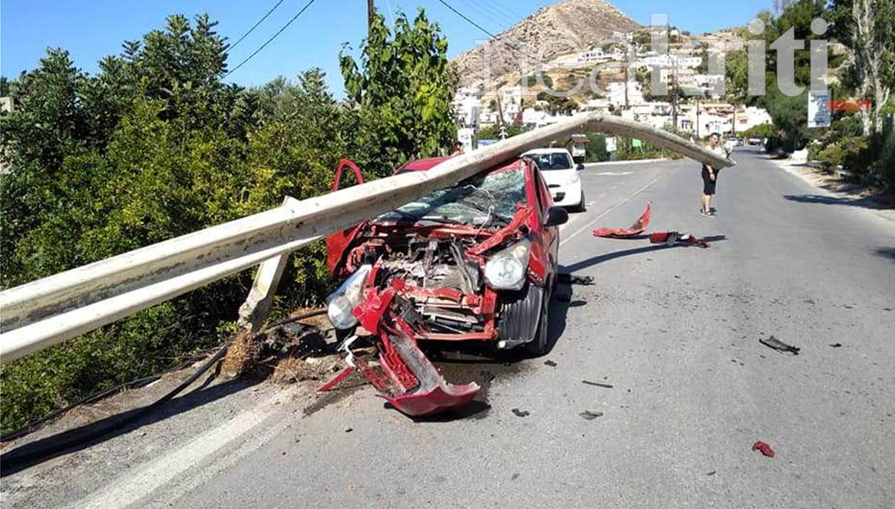 Σοκαριστικό τροχαίο στο Μύρτος Ιεράπετρας: Το ΙΧ πέρασε κάτω από τις μπάρες