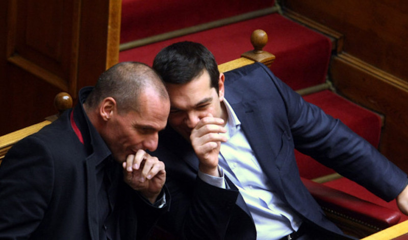 FAZ για Τσίπρα-Βαρουφάκη: Λίγοι πιστεύουν πλέον τους πολιτικούς ταχυδακτυλουργούς