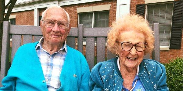 Ο έρωτας χρόνια δεν κοιτά: Αυτός 100, εκείνη 103 και μόλις παντρεύτηκαν!