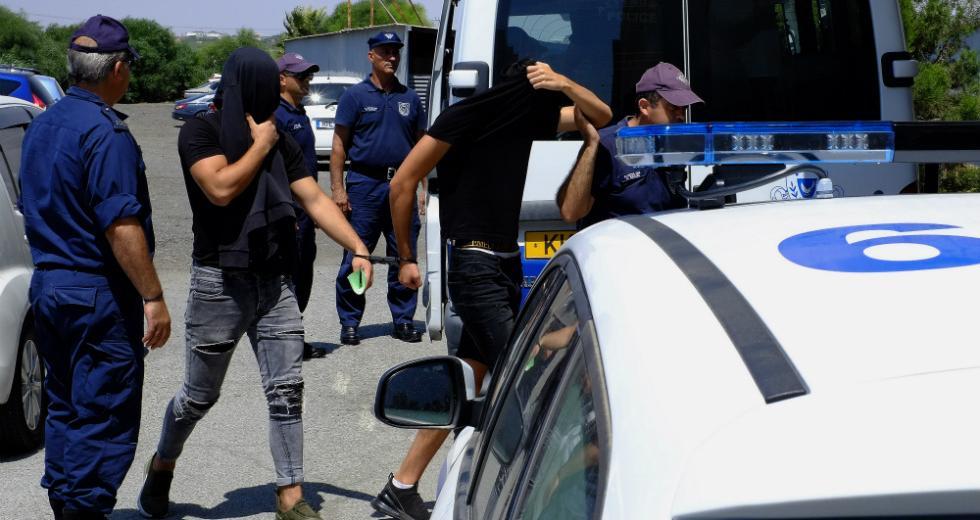 Κατηγορούνται για ομαδικό βιασμό 19χρονης Βρετανίδας στην Κύπρο