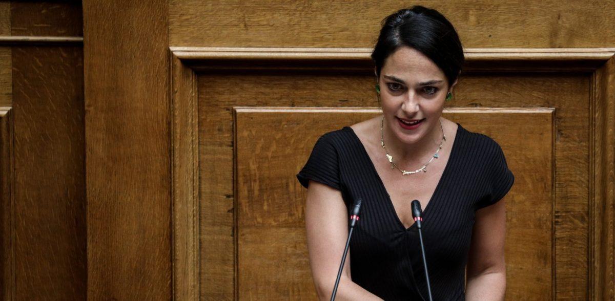 Μιχαηλίδου: Έχουμε προβλέψει 300 εκατομμύρια ευρώ επιπλέον για επιδόματα και την επιδότηση 100.000 νέων θέσεων εργασίας