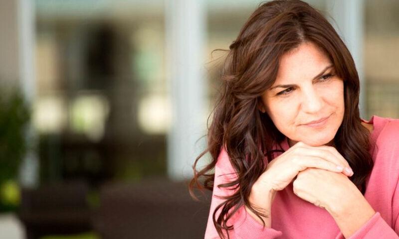 Πρόωρη εμμηνόπαυση: Ποια είναι τα συμπτώματα (video)