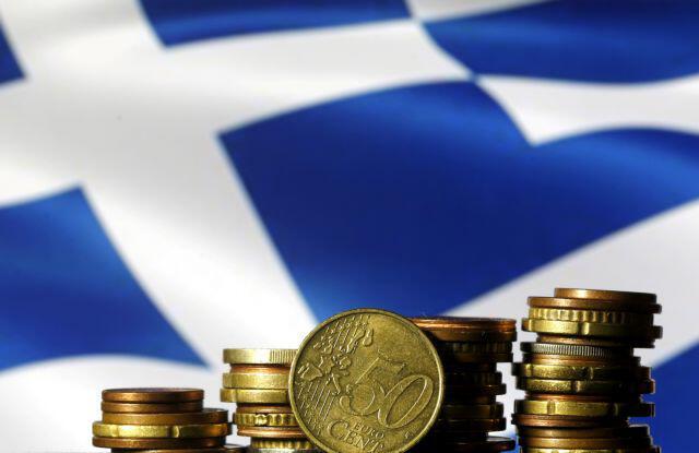 Bloomberg: Η νέα ελληνική κυβέρνηση αξιοποιεί γρήγορα τις χαμηλές αποδόσεις των ομολόγων