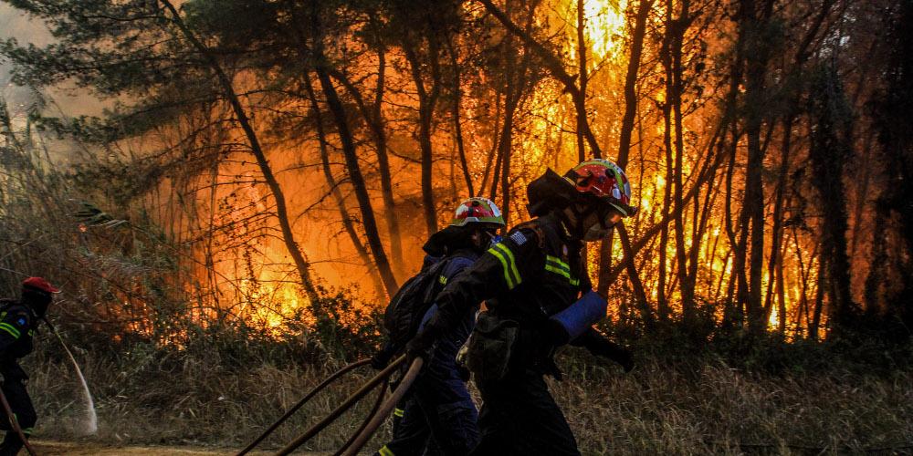 Θρίλερ με τις πυρκαγιές στην Εύβοια: Νέα μέτωπα, αναζωπυρώσεις και εκκενώσεις οικισμών