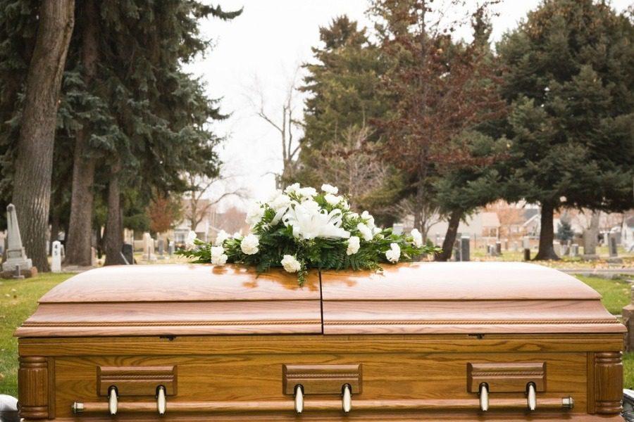 Η γυναίκα που κατάλαβαν πως ήταν ζωντανή στην μέση της κηδείας της