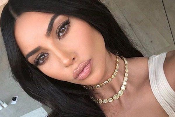 Το σχεδόν… ανύπαρκτο μαγιό της Kim Kardashian στην Κόστα Ρίκα