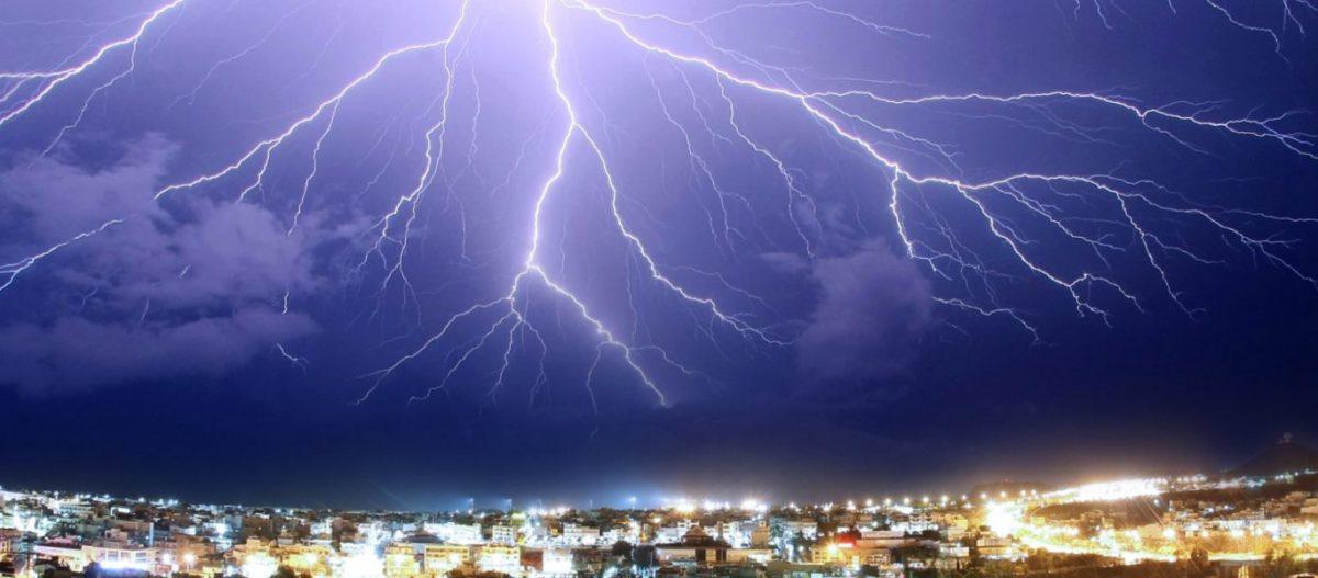 Πάνω από 9.000 κεραυνοί στις περιοχές που πέρασε η καταιγίδα: Θυελλώδεις άνεμοι