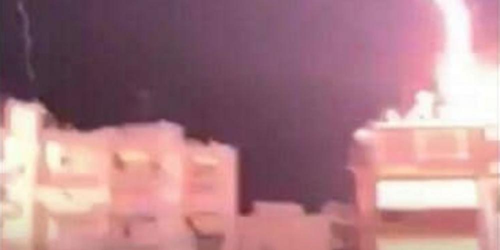 Απίστευτο: Κεραυνός έπεσε πάνω σε σπίτι στη Θεσσαλονίκη [βίντεο]
