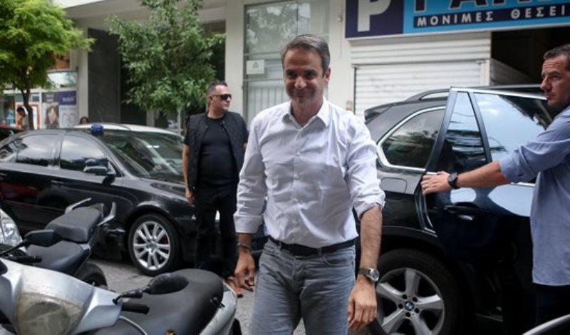 Ο Κυριάκος Μητσοτάκης αρνήθηκε να παραλάβει τις δύο θωρακισμένες πρωθυπουργικές BMW