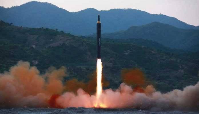 Βαλλιστικούς πυραύλους νέου τύπου εκτόξευσε τα ξημερώματα η Β. Κορέα