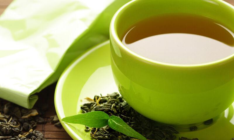 Πράσινο τσάι το πρωί: Τα οφέλη από την καθημερινή κατανάλωση (video)