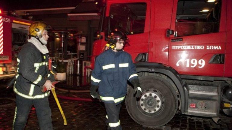 Επί ποδός, τη νύχτα, η Πυροσβεστική – Υπό έλεγχο πυρκαγιά στον Άγιο Νικόλαο
