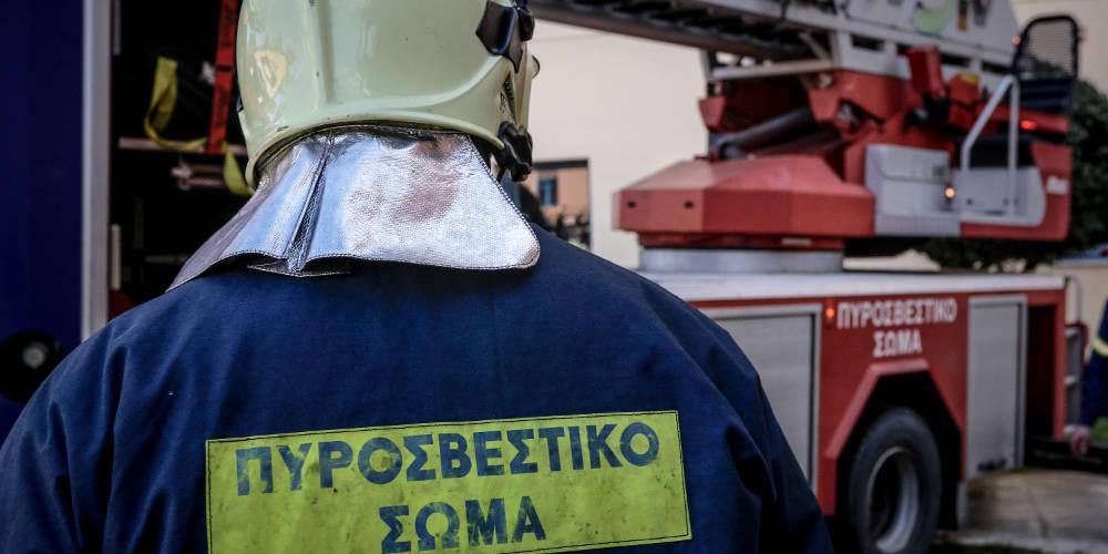 Πυρκαγιά σε εξέλιξη σε ξυλουργείο στο Ηράκλειο Κρήτης