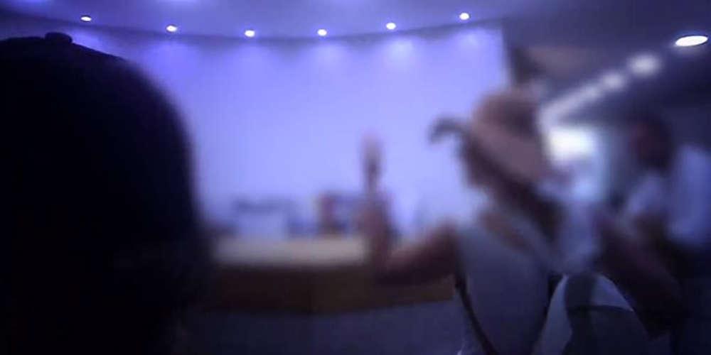 Ντου του φεμινιστικού τομέα του Ρουβίκωνα σε κέντρο αισθητικής [βίντεο]