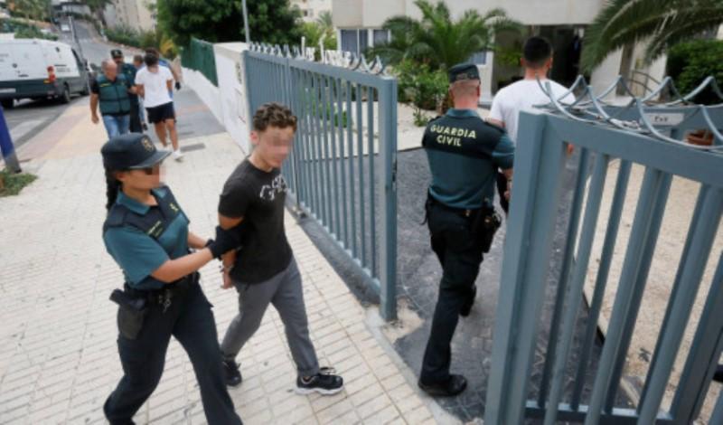 Ισπανία: Ομαδικός βιασμός 20χρονης από τη Νορβηγία – Συνελήφθησαν πέντε νεαροί Γάλλοι