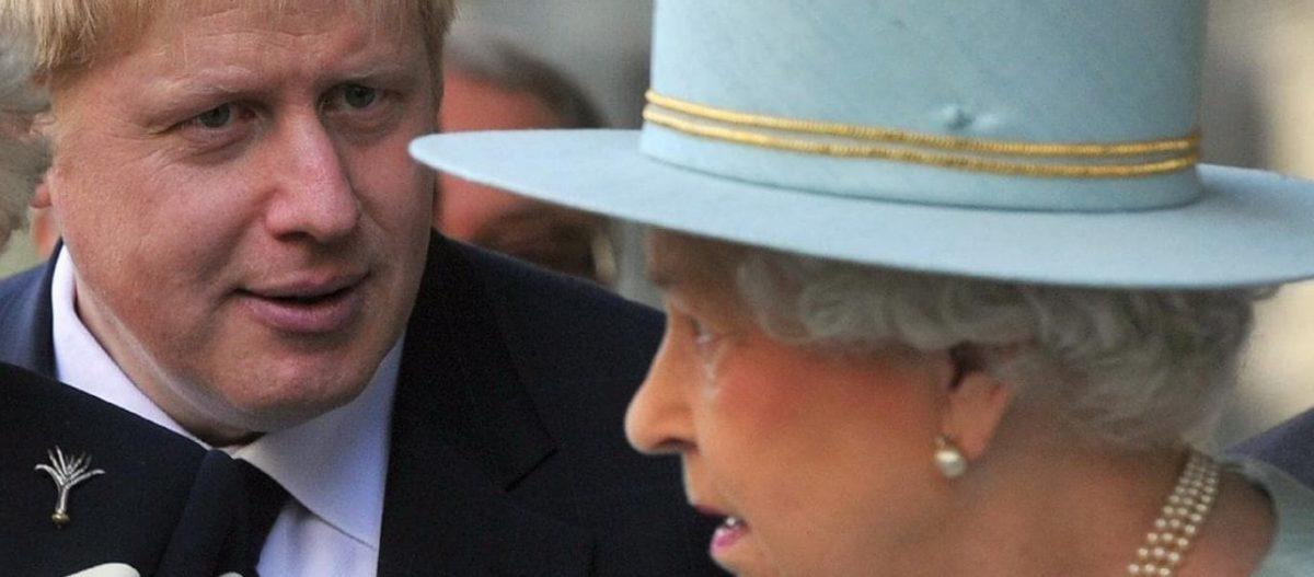 Βουλευτίνα σε βασίλισσα για Brexit: «Θα έχεις την τύχη του ξαδέλφου σου στην Ελλάδα» – Τι σημαίνει η απόφαση Τζόνσον